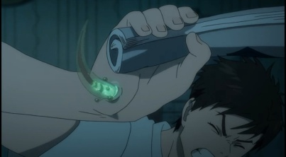 Shinichi trying to kill the parasite-Parasyte anime Episode #1